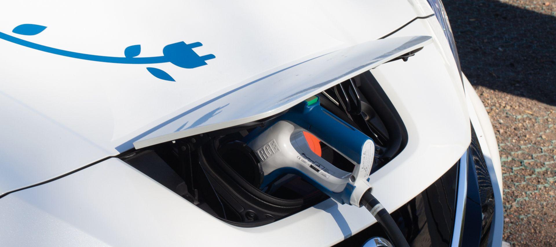 <p>Elektromos aut&oacute; - &aacute;llami t&aacute;mogat&aacute;s 2020</p>